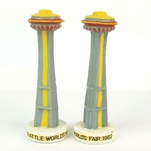 Seattle World's Fair 1962 Space Needle Shakers